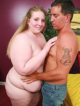 Blonde bbw Jenna playing with her...