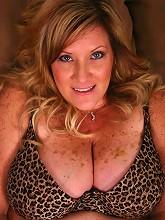 This pretty blonde BBW named Deedra...