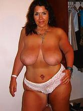 curvy voluptuous women