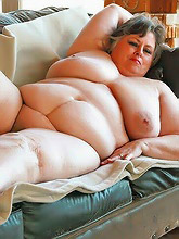 fat mature amateurs stripping
